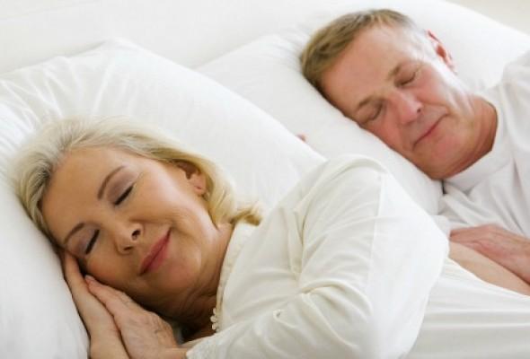 dormir-menos-idosos-sono-450x338-ok.jpg