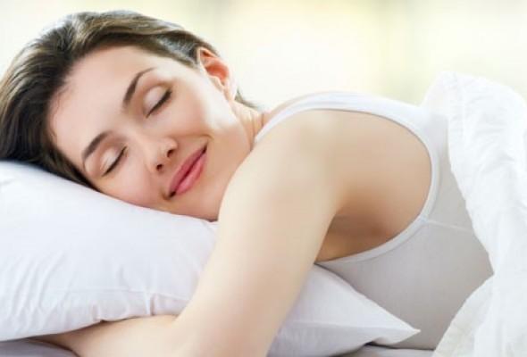 Adotar-cuidados-com-travesseiro-pode-evitar-lesoes-e-desconforto.jpg