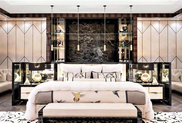 drake-bedroom1-Image-credit-Jason-SchmidtArchitectural-Digest-via-Instagram.jpg